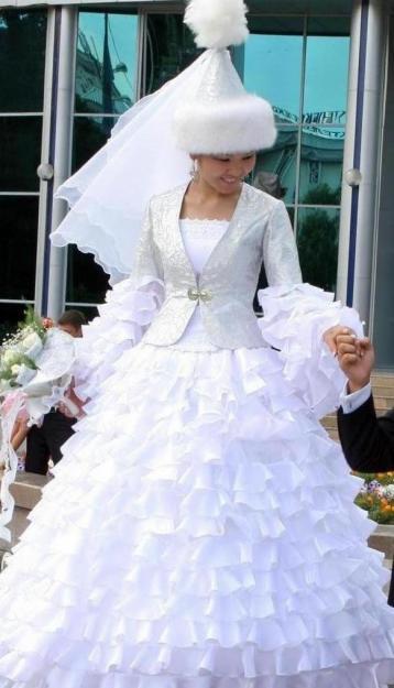 Фото древних казахских национальных платьев.  Вторник, Июль 31st.